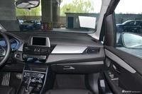 2019款宝马2系多功能旅行1.5T领先型220i