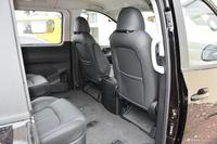 2021款上汽MAXUS G10 2.0T自动精英版柴油7座