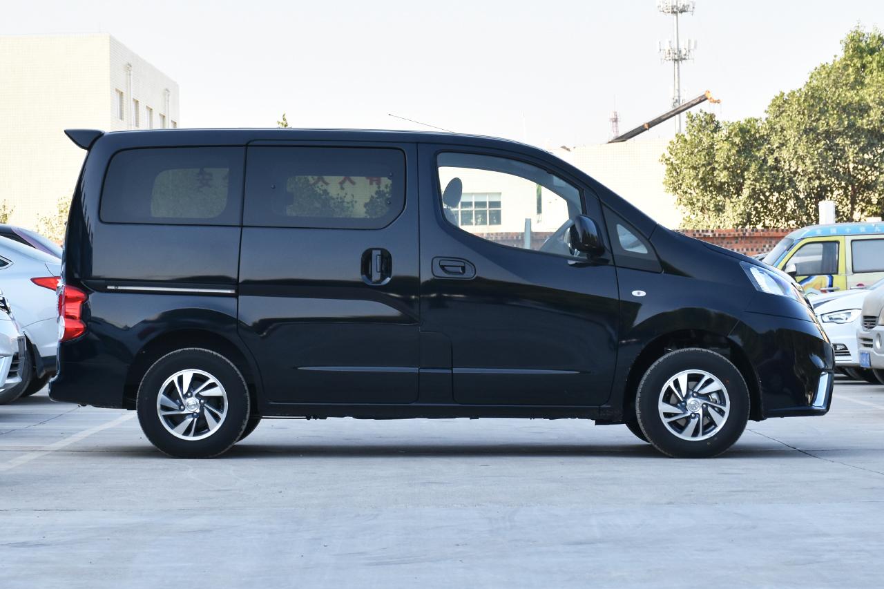 2018款NV200 1.6L CVT豪华型