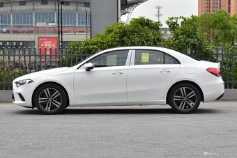 2020款奔驰A级改款1.3T自动180 L